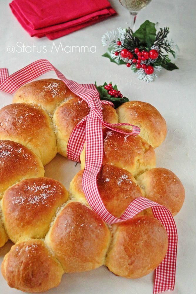 Ghirlanda natalizia salata di pan brioche (brioche bread wreath). #Natale #ricetta #GialloBlogs #Christmas http://speciali.giallozafferano.it/decorazioni-speciali