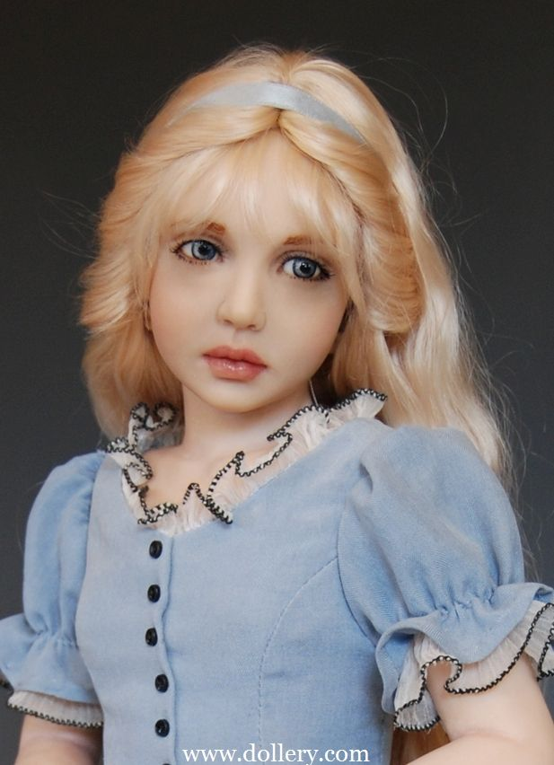 Polymer clay doll artist Diane Keeler is amazing! Gallery of her dolls at The Dollery
