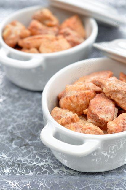 Qui dit Saint Valentin dit épices mais aussi douceur. Les deux s'unissent dans ce plat, que vous pourrez servir en cocotte individuelle pour renforcer le côté dîner en duo. Ingrédients pour 2 poulets tandoori au lait de coco : 2 filets de poulet 1 oignon...