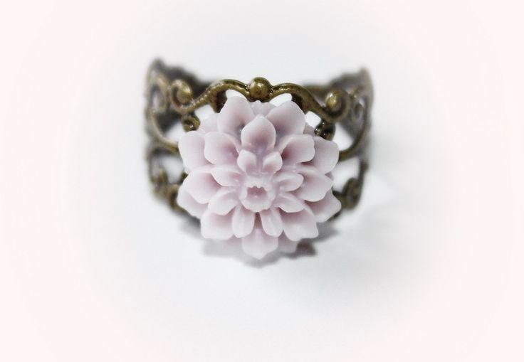 """Zauberhafter Ring """" Dahlie ,pudrig - lila """" von Creativablue - Home auf DaWanda.com"""
