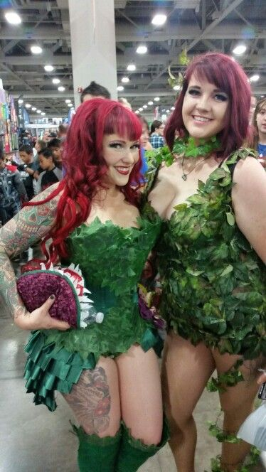 2 poison ivy cosplays from salt lake comic con 2015 (pint size poison ivy with the venus flytrap clutch)