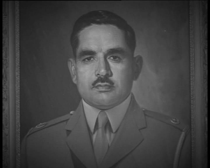 2. Major Tufail Mohammad Shareef Major Tufail was the only man to have received the Nishan-e-Haider outside the Indo-Pak wars. He was posted to East Pakistan in 1958 as Company Commander of a battalion of East Pakistan Rifles. During his command, the Indian army took control of a village in East Pakistan and to force withdrawal, he launched an attack. In spite of being shot in the stomach, he kept fighting instead of going for treatment and ended up being victorious. He was rushed to the…