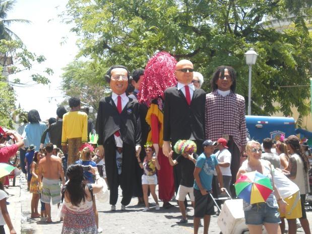 O presidente do Supremo Tribunal Federal, Joaquim Barbosa, é uma das figuras de maior destaque entre os tradicionais bonecos gigantes do Carnaval de Olinda  (Foto: Celso Calheiros / Especial para Terra)