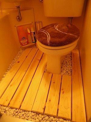 砂利とすのこを使ってみる : 【一人暮らし】狭いユニットバスで参考にしたい画像集【バス・トイレ一緒】 - NAVER まとめ
