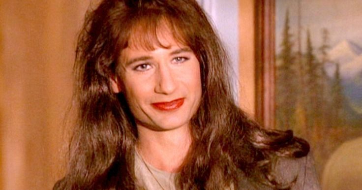 'Twin Peaks': Will David Duchovny Return as Agent Denise? -- David Duchovny hopes his character, DEA agent Denise Bryson, comes back in the new season of 'Twin Peaks' premiering on Showtime. -- http://www.movieweb.com/twin-peaks-showtime-series-david-duchovny-denise-bryson