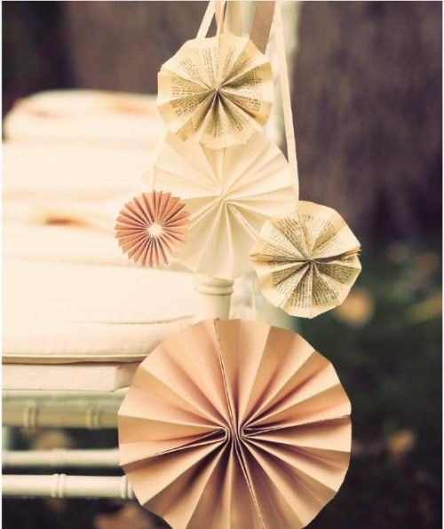 Really want to make these for aisle decorations... :  wedding aisle decor diy paper pinwheel Pinwheels For Aisle