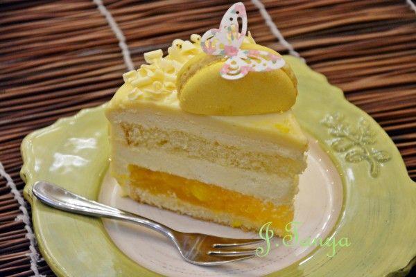 Сегодня торт! Торт - поздравление моей любимой свекрови на День Рождения! За основу взяла рецепт моего любимого Луки Монтерсино с сайта Нины Тарасовой -…