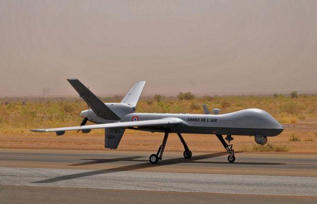 General Atomics Aeronautical Systems Inc a livré le troisième drone de reconnaissance MQ-9 « Reaper » au ministère français de la Défense. Au sein de l'Armée de l'air, les deux premiers « Reaper » ont accumulé plus de 4'000 heures de vol en un peu plus d'un an. Les « Reaper » français sont entrés en service en janvier 2014 au sein de l'escadron 1/33 «Belfort», stationnés sur la base aérienne 709 de Cognac. Sans arme : L'une des particularités de la flotte de drone « Reaper » française…