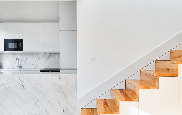 HomeLovers: kitchen // stairs