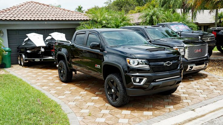 "Rough Country 4"" lift on 20"" rockstars - Chevy Colorado & GMC Canyon"