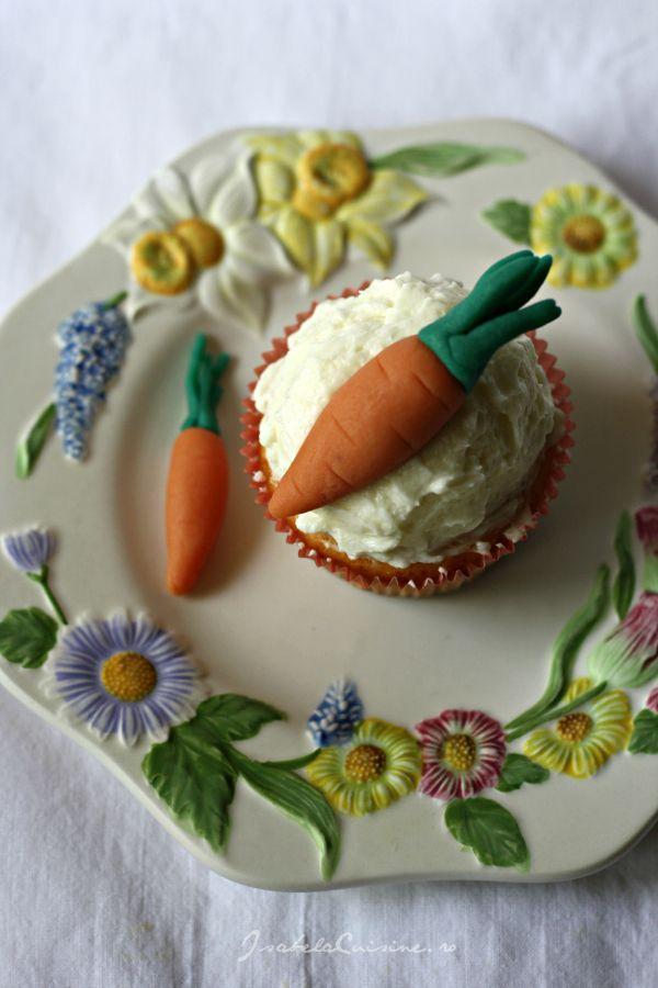 Cupcakes cu morcovi din martipan