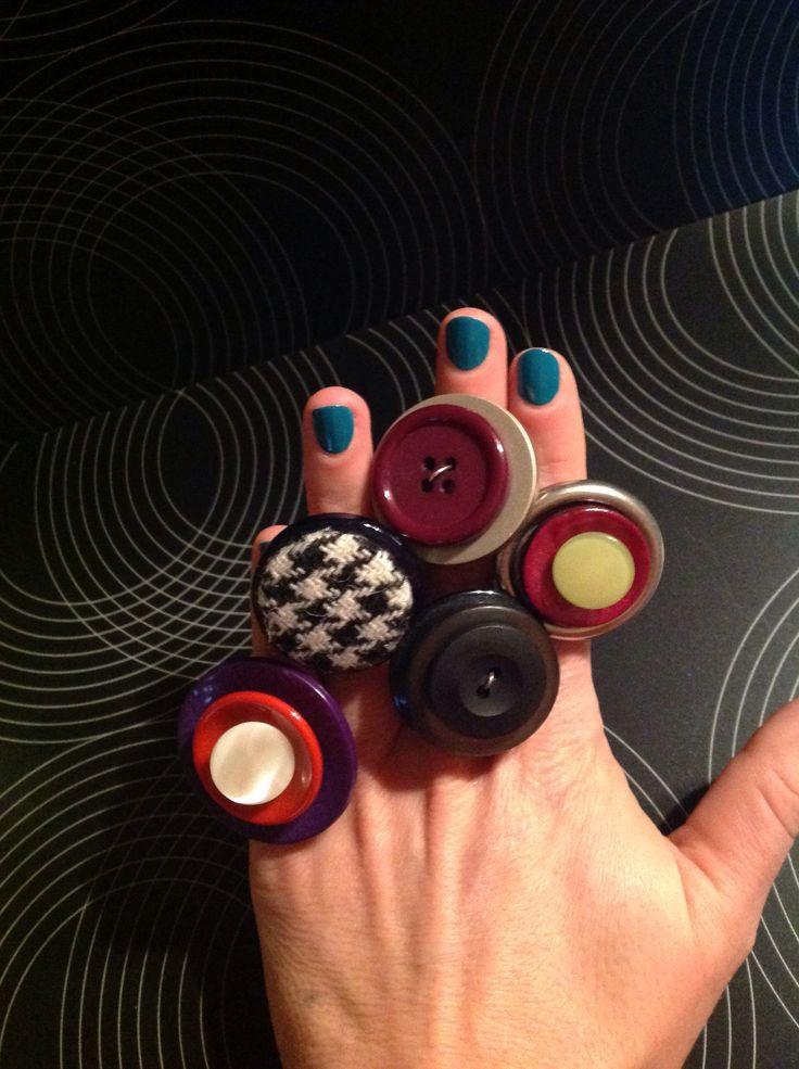 Anelli bottoni vintage DIY. Dimmi che anello porti e ti dirò chi sei. www.rinchiudetely.it