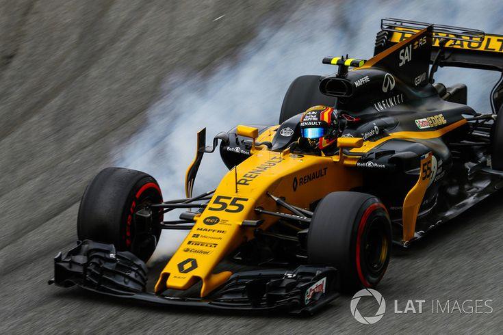 Carlos Sainz Jr., Renault Sport F1 Team RS17, bloque une roue