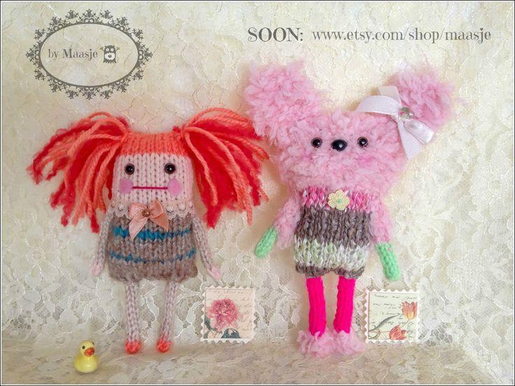 Knitted pocket dolls by Maasje www.facebook.com/maasjecustoms www.etsy.com/shop/maasje