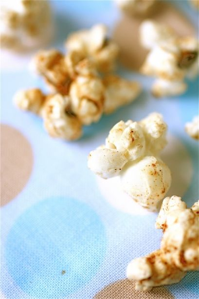Cinnamon, ginger and nutmeg flavored popcorn made with coconut oil.