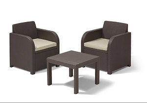 plaswood chairs and table