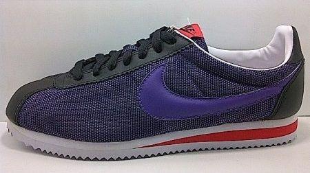 Kode Sepatu: Nike Cortez Black Purple  Ukuran Sepatu: 42 Harga: Rp. 560.000,- Untuk pemesanan hub 0831-6794-8611