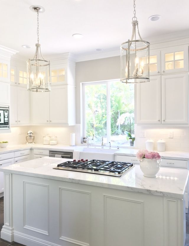 Benjamin Moore White Dove Oc 17 Added Additional Stacked Cabinets To Extend Up To Ceiling