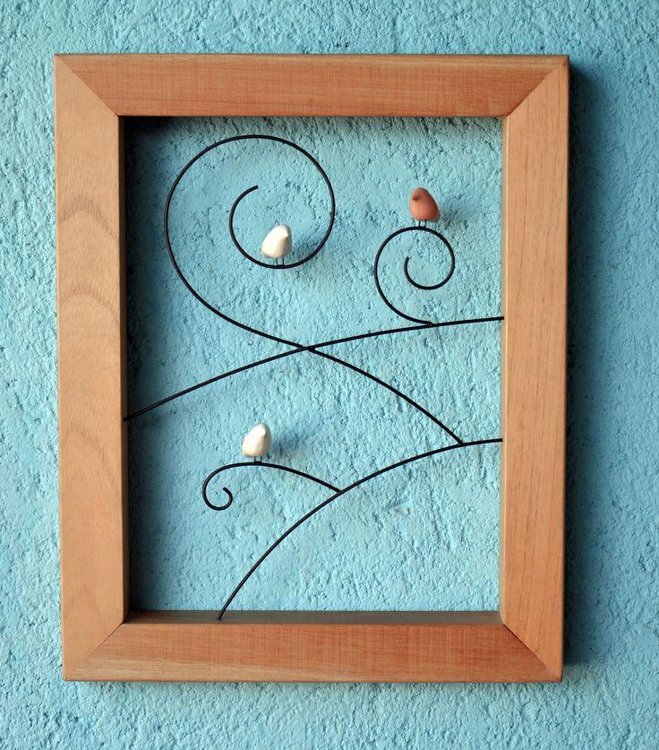 Passarinhos+de+cerâmica+com+arame+e+moldura+de+madeira.+<br>Para+pendurar+na+parede