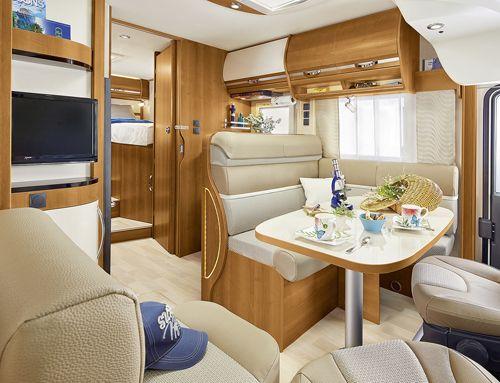 Rapido 855 F: ¡La opción para los que buscan un integral compacto para la pareja o la familia! | Camping, Autocaravanas y Caravanas | Campingsalon