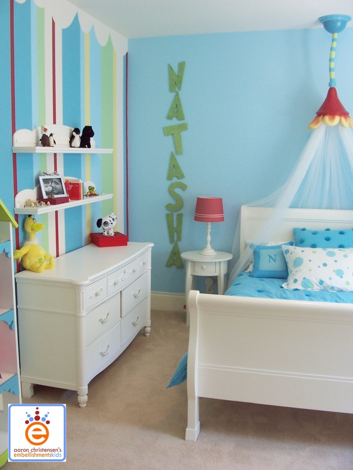 12 best images about dr seuss inspired bedroom on pinterest bakerella stockings and baby hats. Black Bedroom Furniture Sets. Home Design Ideas