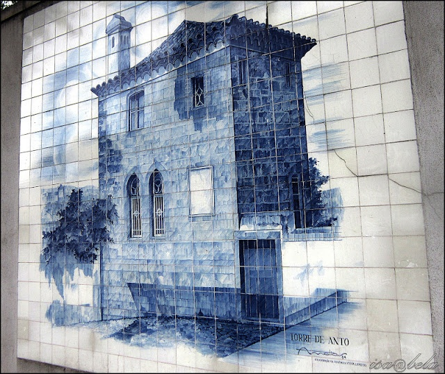 These are typical portuguese blue tiles.  This one is in Coimbra