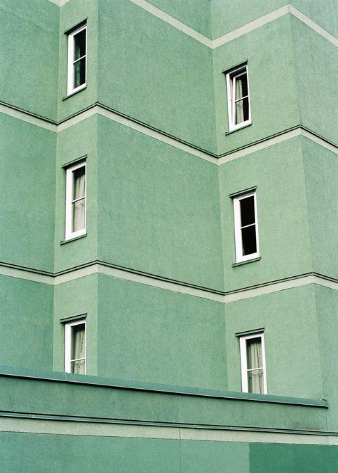 Blasse Minze und doch ein warmes, grünes Gebäude. Ästhetische Inspiration #gr … – Inspirational Stories