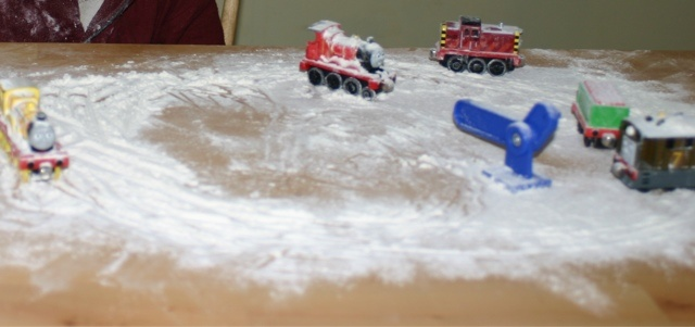 Declutterbug crafts snow on Sodor, imaginative play with trains