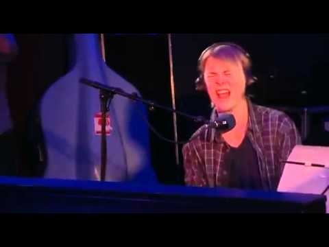 Tom Odell - I Knew You Were Trouble - BBC Radio 1 Live Lounge