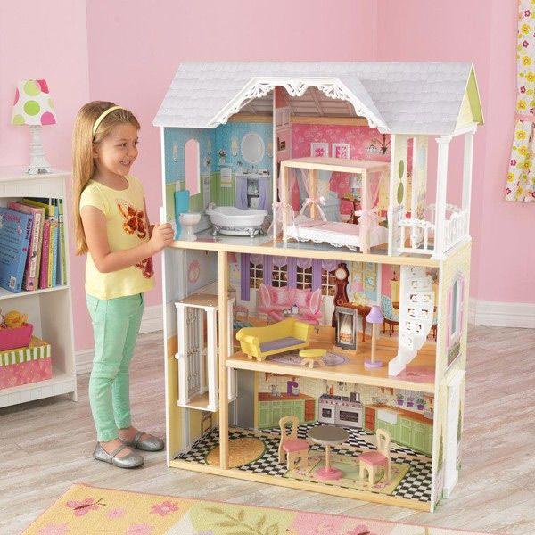 Casa de muñecas kaylee de gran tamaño, con gran cantidad de detalles y ascensor interior para subir entre las diferentes plantas de la casa.