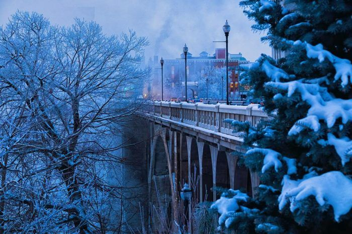 8 enchanting washington towns that feel like you ve fallen into a snow globe spokane valley spokane lights tour snow globe