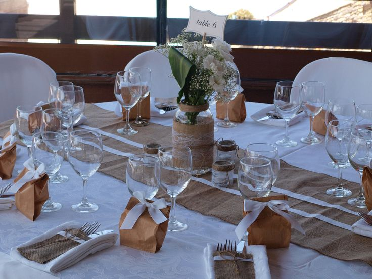 Center piece, setting and guests gift