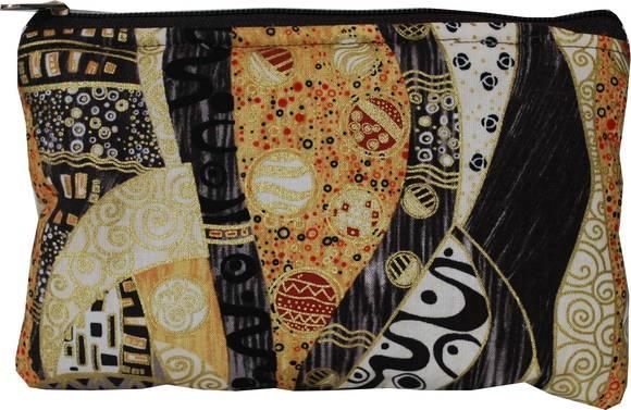 Uma peça maravilhosa com desenhos baseados na obra de Gustav Klimt. Arte, cultura e muita beleza numa peça que é indispensável para deixar sua bolsa organizada. Cabe em todo tamanho de bolsa, não ocupa muito espaço e é bem fofinha para proteger os seus objetos valiosos!!!  Necessaire feita em tecido importado estampado. Verso feito em brim bege.  Dublada em manta acrílica super fofinha. Forro feito em shantung dourado. Fecho em ziper. R$ 25,00