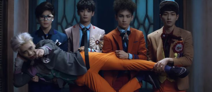 shinee- nuevo mv- MARIED TO THE MUSIC