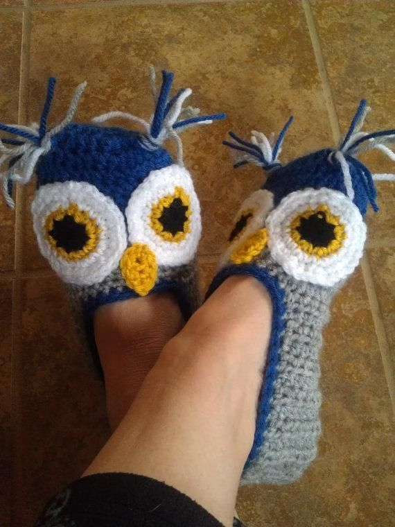 Suzi44's pattern for these Ladies Owl Slippers found on Craftsy.