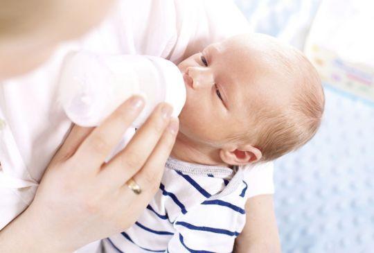 Apel do położnych i lekarzy: szanujcie butelkowe mamy!
