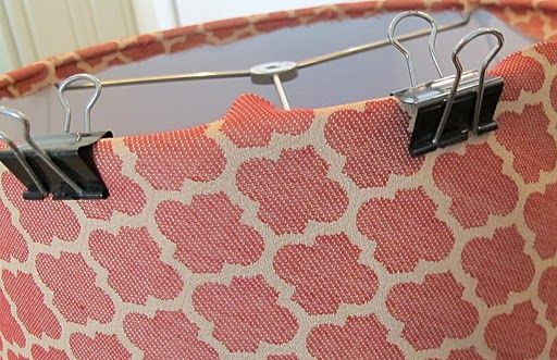 How to recover a lampshade: Re Cov Lampshades, Lamps Shades, Drums Shades, Diy Lampshades, Hot Glue, Diy Craft, Fabrics, Updates Lamps, Lamp Shades