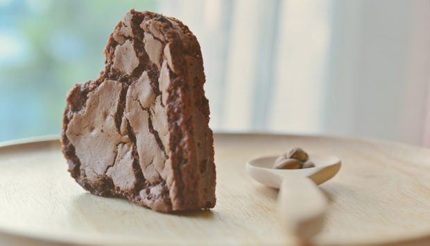 Αυτό είναι το πιο Υγιεινό και Θανάσιμα Σοκολατένιο Γλυκό Χωρίς Ζάχαρη που Μπορείτε να Φτιάξετε