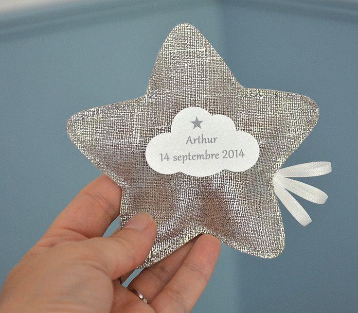 sur commande ballotins de dragées baptême lin lamé en forme d'étoile : Autres bébé par bykiki