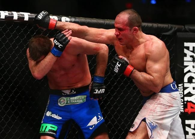 Junior Dos Santos Outlasts Stipe Miocic in Epic Bout