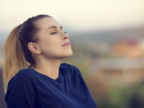 Articles on breathing techniques, breathing exercises and the benefits of diaphragmatic breathing from Dr. Weil, your trusted health advisor.