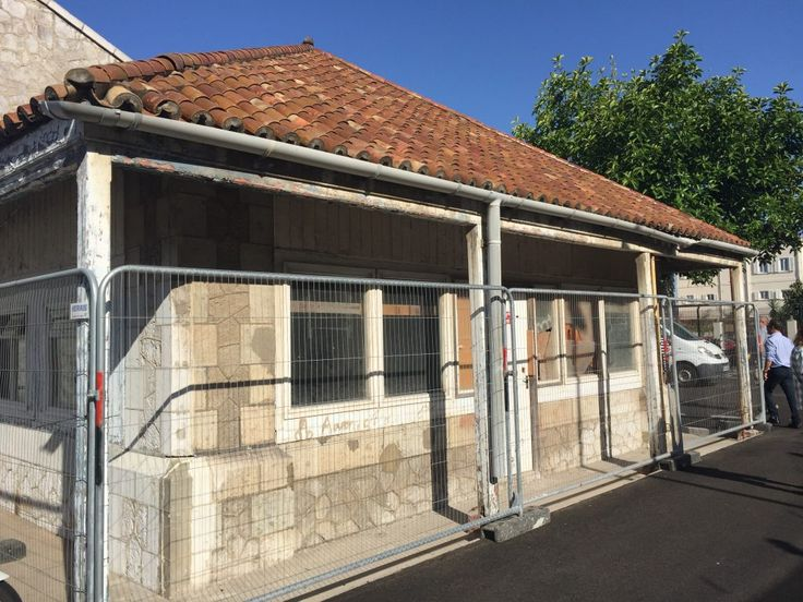 Gibraltar Heritage Trust slams MOD plans to knock down historic police guardhouse :http://www.gibraltarolivepress.com/2017/01/11/gibraltar-heritage-trust-slams-mod-plans-to-knock-down-historic-police-guardhouse/