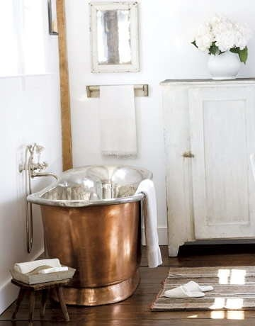 Heavy Metal: Copper tubs and #interiordesign #copper #trends