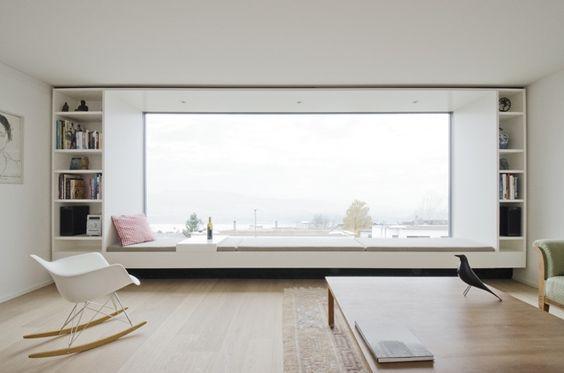 Großes Fenster im Wohnzimmer                                                                                                                                                                                 Mehr