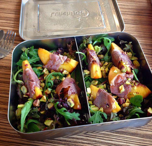 Deze salade met nectarine, prosciutto en pistache behoort absoluut tot 1 van mijn favoriete lunchgerechten. Vooral nu de ...