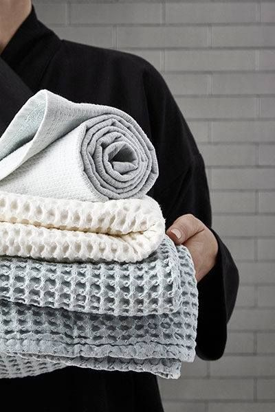 ✨ Beautiful home textiles made from 100% GOTS certified organic cotton by danish brand The Organic Company. We stock a range of products that include textiles for the kitchen, bath and bedroom. Available in store and online ✨