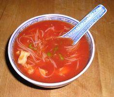 De echte Chinese tomatensoep. 1 liter kippenbouillon 2 grote blikjes…