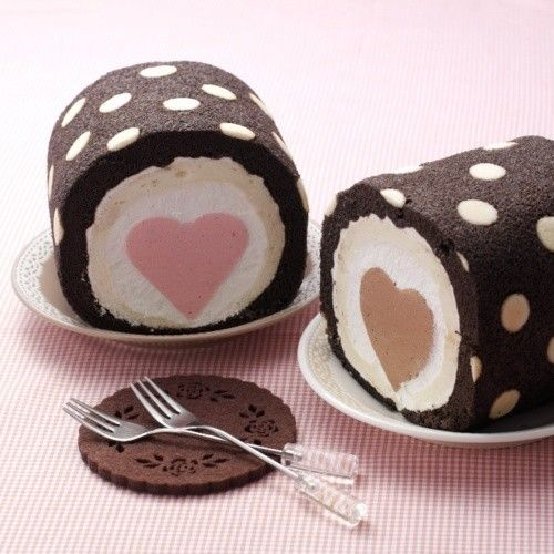 Ice Cream Roll Cake with Heart and Polka Dots. I have got to figure out how to make this....maybe a heart shaped pampered chef tin for bread would work to freeze the heart?