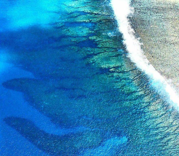 Lagon de Saint Leu (Photo envoyée par @carolehoareau)  N'hésitez pas vous aussi à envoyer vos photos et à liker la page Facebook.com/ile974 (les publications ne sont pas les mêmes qu'ici)  #lareunion #reunion #gotoreunion #reunionisland #iledelareunion #reunionparadis #reuniontourisme #igerslareunion #nature #landscape #ile974 #beach #Amazing #plage #great #photo by 974_lareunion