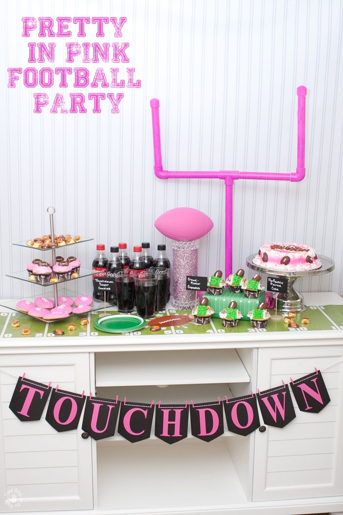 This is the perfect girly football party -- Pretty in Pink! (AD) #HomeBowlParty